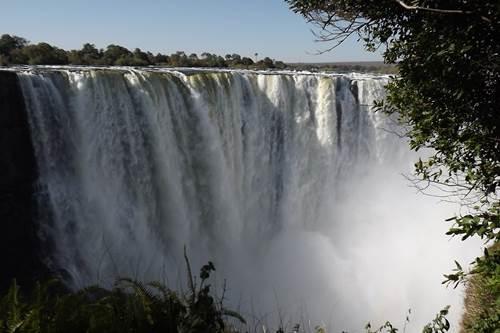 Zambia_victoria-falls